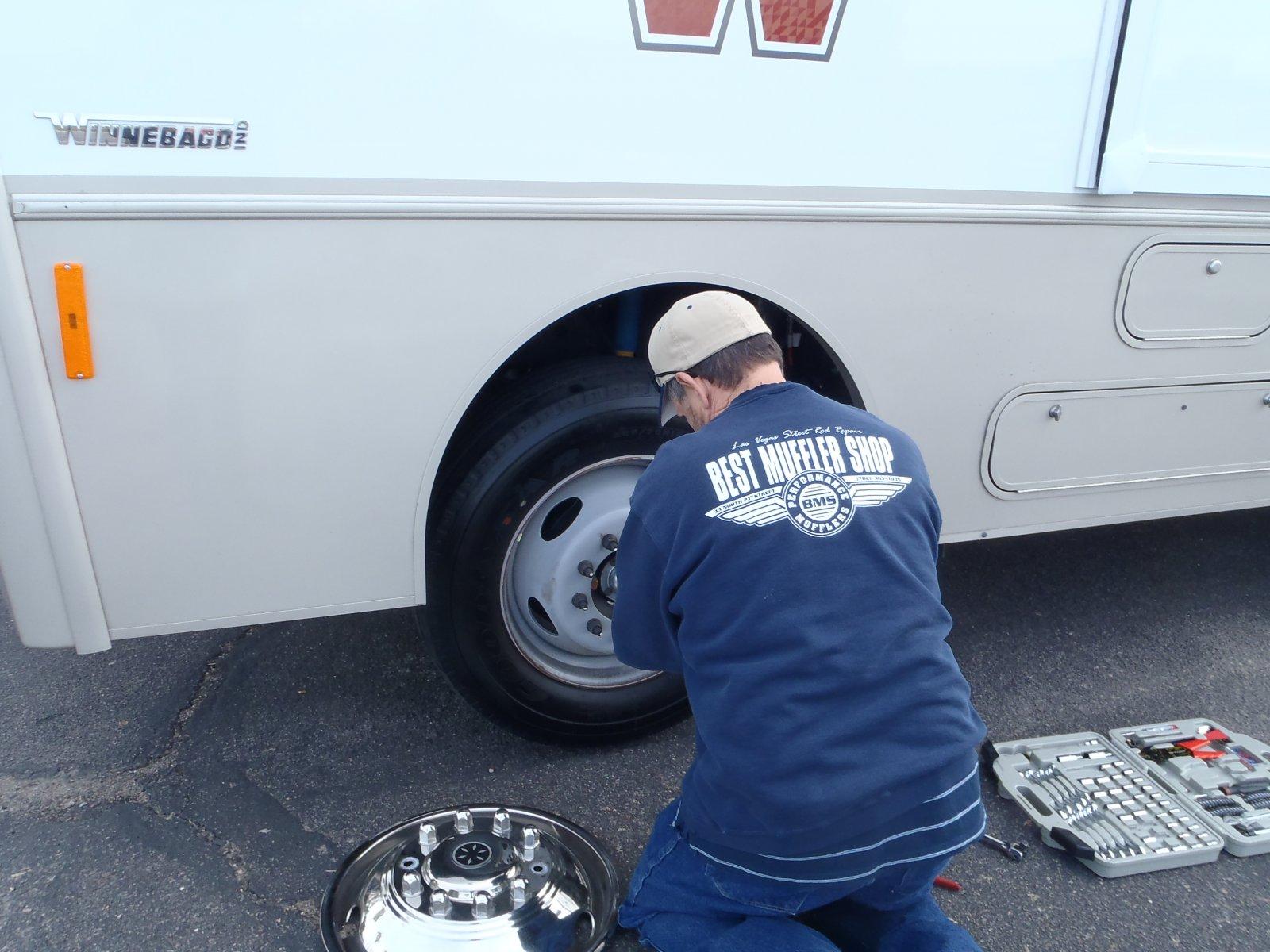 Click image for larger version  Name:winnabago wheel bearing 006.jpg Views:177 Size:239.2 KB ID:90651