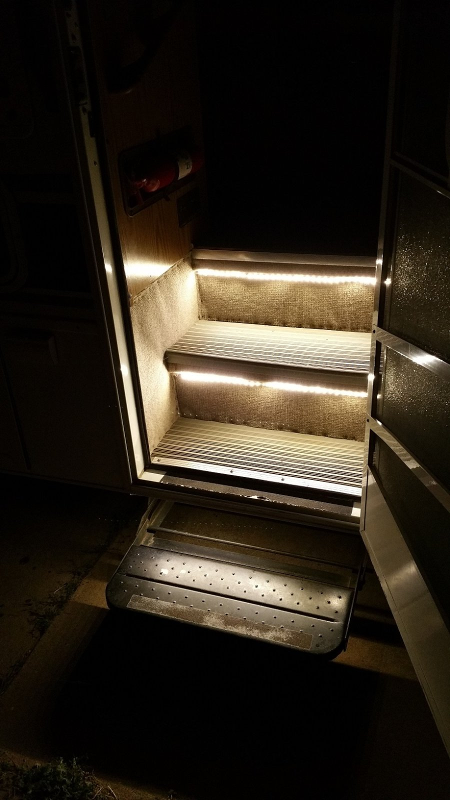 Click image for larger version  Name:stairs2.jpg Views:76 Size:182.3 KB ID:92198