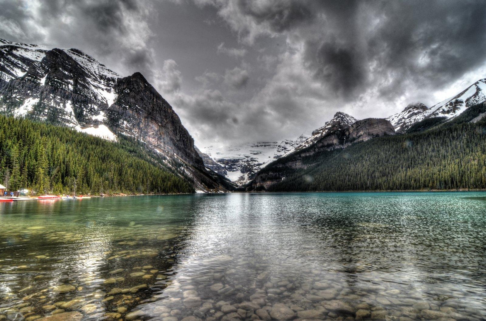 Click image for larger version  Name:lake louise.jpg Views:68 Size:395.9 KB ID:92357