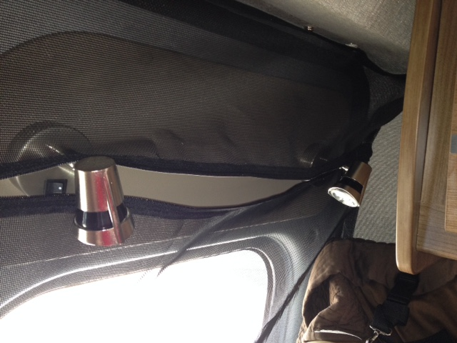 Click image for larger version  Name:Rear Screen Light Zipper 2.JPG Views:92 Size:104.0 KB ID:93079