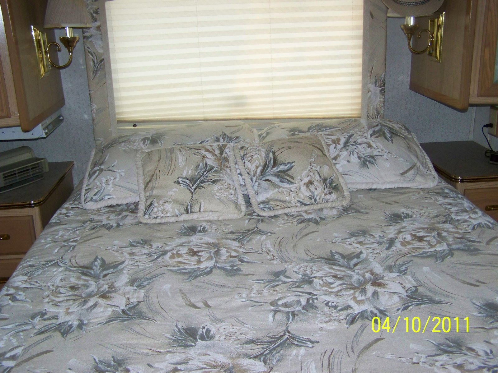 Click image for larger version  Name:RV first pics 008.jpg Views:136 Size:349.6 KB ID:9432