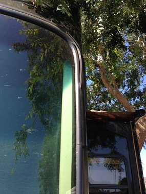 Click image for larger version  Name:RV-Windshield-2.JPG Views:90 Size:156.2 KB ID:97968