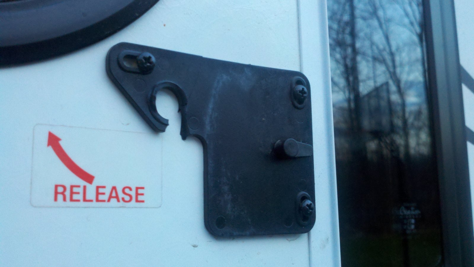 Click image for larger version  Name:Screen Door Latch.jpg Views:49 Size:155.5 KB ID:9887