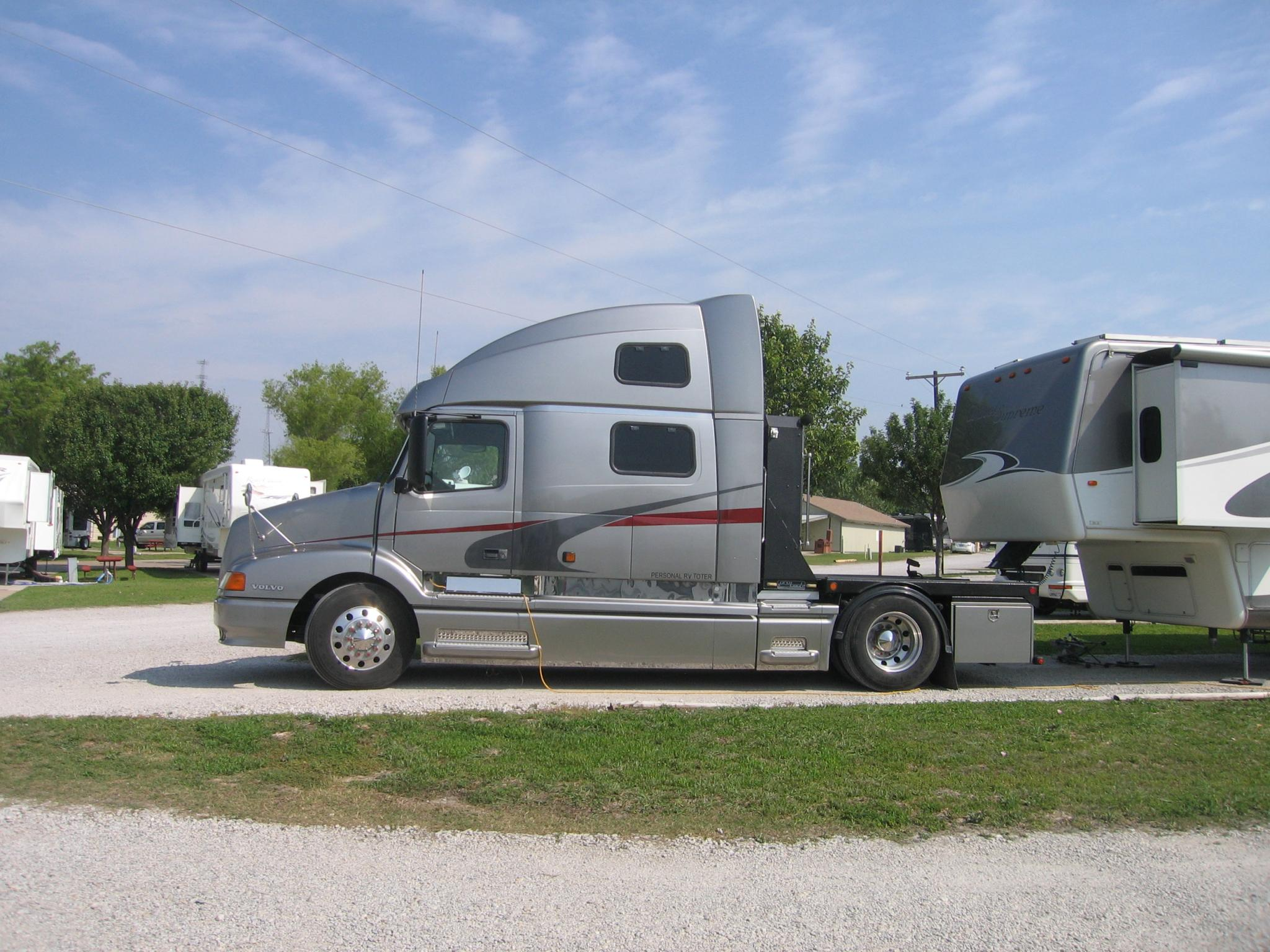 hdt truck company eastern international university became business school sclm 429 transportation and logistics management case study 1 date: december.