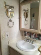 Bathroom_sink2.jpg