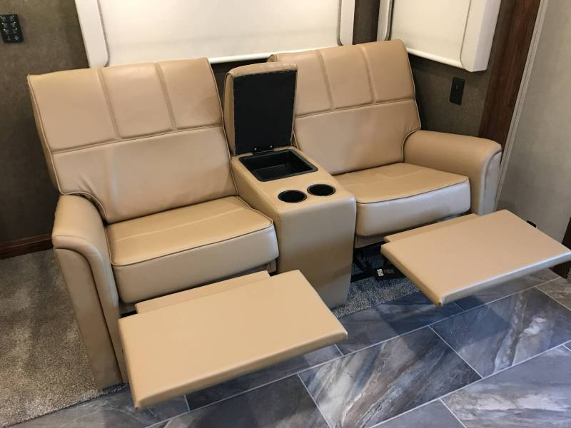 New theater seating Verona LE LTS - iRV2 Forums
