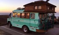 Delux Bus